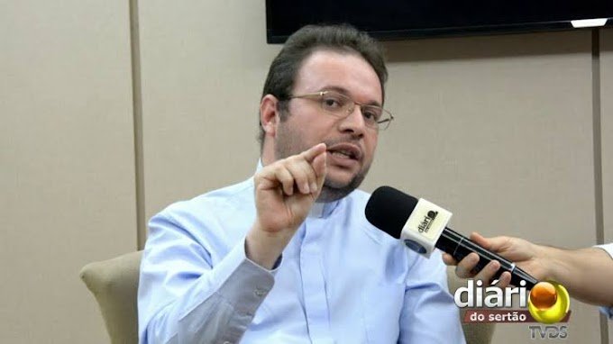 Padre caririzeiro diz que Lula e Bolsonaro querem ser maiores que Deus e critica discurso de ódio feito pelos dois líderes