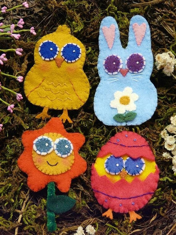 SWEET Easter Pins E Pattern - wearable jewelry brooch PDF primitive embroidery FELT bunny chick egg