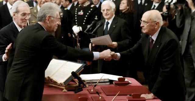 """Napolitano """"voleva Monti al governo dal giugno 2011″. Il Colle: """"Vero, ma è fumo"""""""