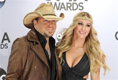 Country star Jason Aldean marries former 'American Idol