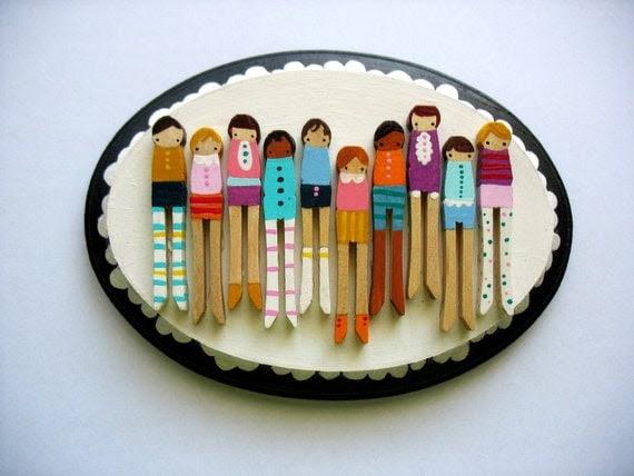 handmade wooden folk art  mini clothespin dolls plaque ...girls on parade