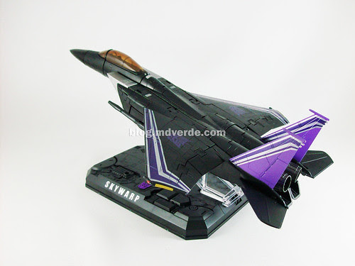 Transformers Skywarp Masterpiece Universe - modo alterno