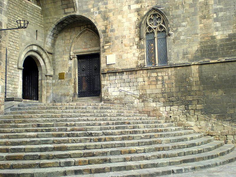 Archivo: Escales del Palau Reial.jpg