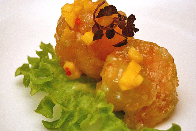 Deep-fried prawn coated with wasabi mayonnaise