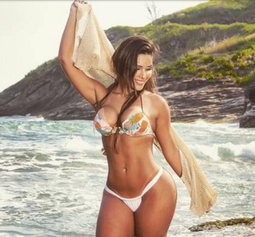 Com bumbum de 102 cm, brasileira faz sucesso em campanhas de biquíni no exterior
