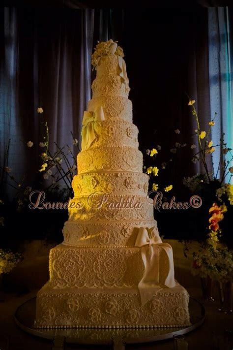 17 Best images about Lourdes Padilla Cakes© on Pinterest