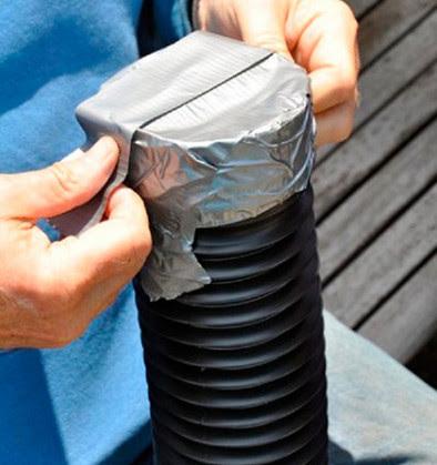Стоит поместить пластиковую трубу в контейнер, чтобы через пару недель увидеть чудо!