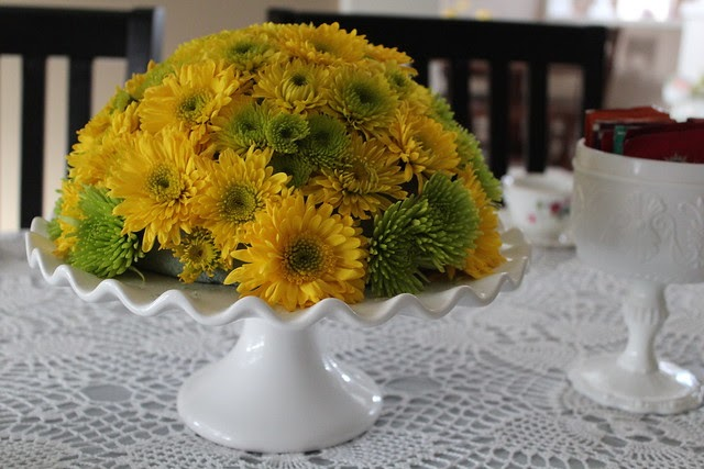 Allthingsnew diy cake stand flower arrangement