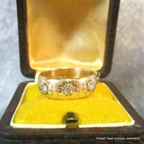 Antique Wedding Band Daisy Diamond Set Yellow ~ White Gold