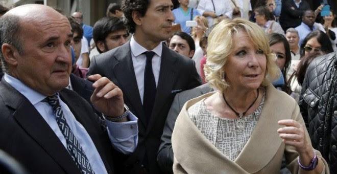 Beltrán Gutiérrez y Esperanza Aguirre. EFE/Archivo
