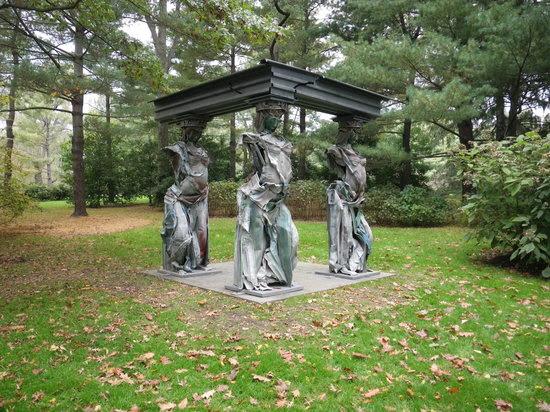 modern-caryatid-sculpture.jpg