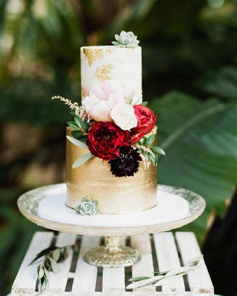 The 2018 Wedding Cake Trends Everyone Will Be Talking