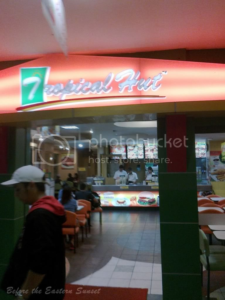 Starmall branch of Tropical Hut