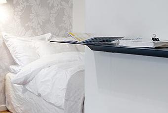small-swedish-apartment-exhibiting-charming-d-T-j4fv5D.jpeg