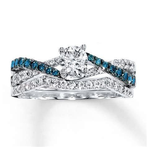 1 Carat Luxurious Round White Diamond and Blue Sapphire
