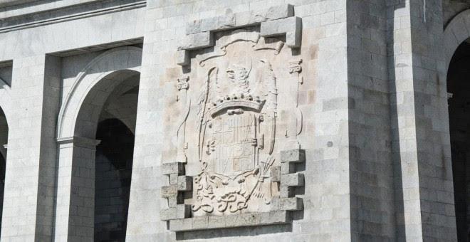 Escudo franquista en el Valle de los Caídos. / J. GÓMEZ