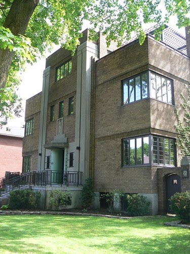 Art deco buildings maison j donat langelier outremont for Decoration maison art deco