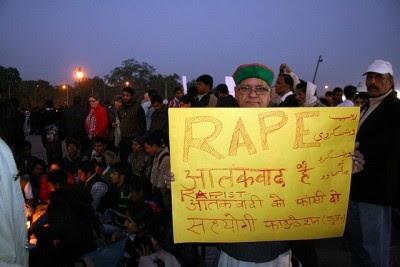 Índia: Morre a jovem que sofreu violação coletiva