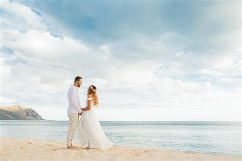 Find Oahu Wedding Packages & Pricing for Beaches & Venues