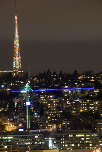 seattle-nightscape-christmas-131215-03