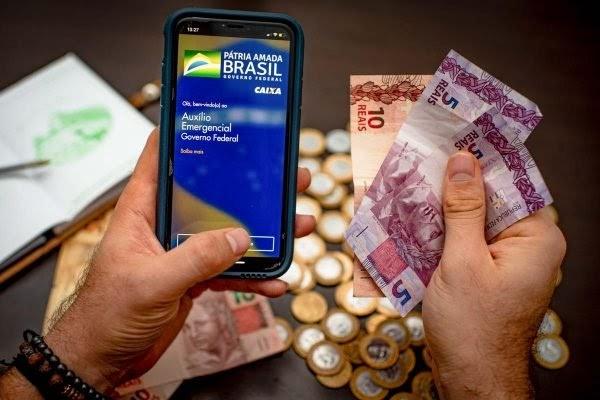 Auxílio Emergencial e Auxílio Brasil: saiba 5 diferenças entre os programas