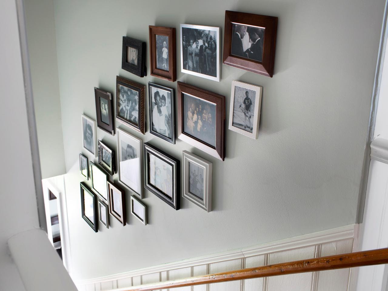 Artistic Picture Frame Wall Arrangements Of Ga 19096 Acnn Decor