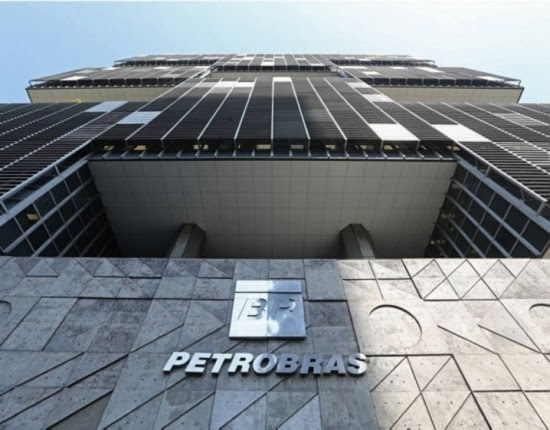 Petrobrás passa por crise financeira