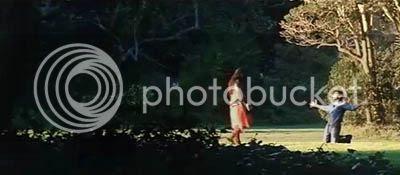 http://img.photobucket.com/albums/v252/BollyNuts/Vaaranam%20Aayiram/39.jpg