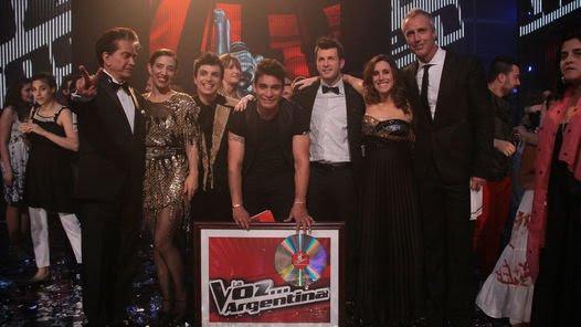 """El ganador de """"La voz"""" con Miranda, El Puma, Marley y Sole."""