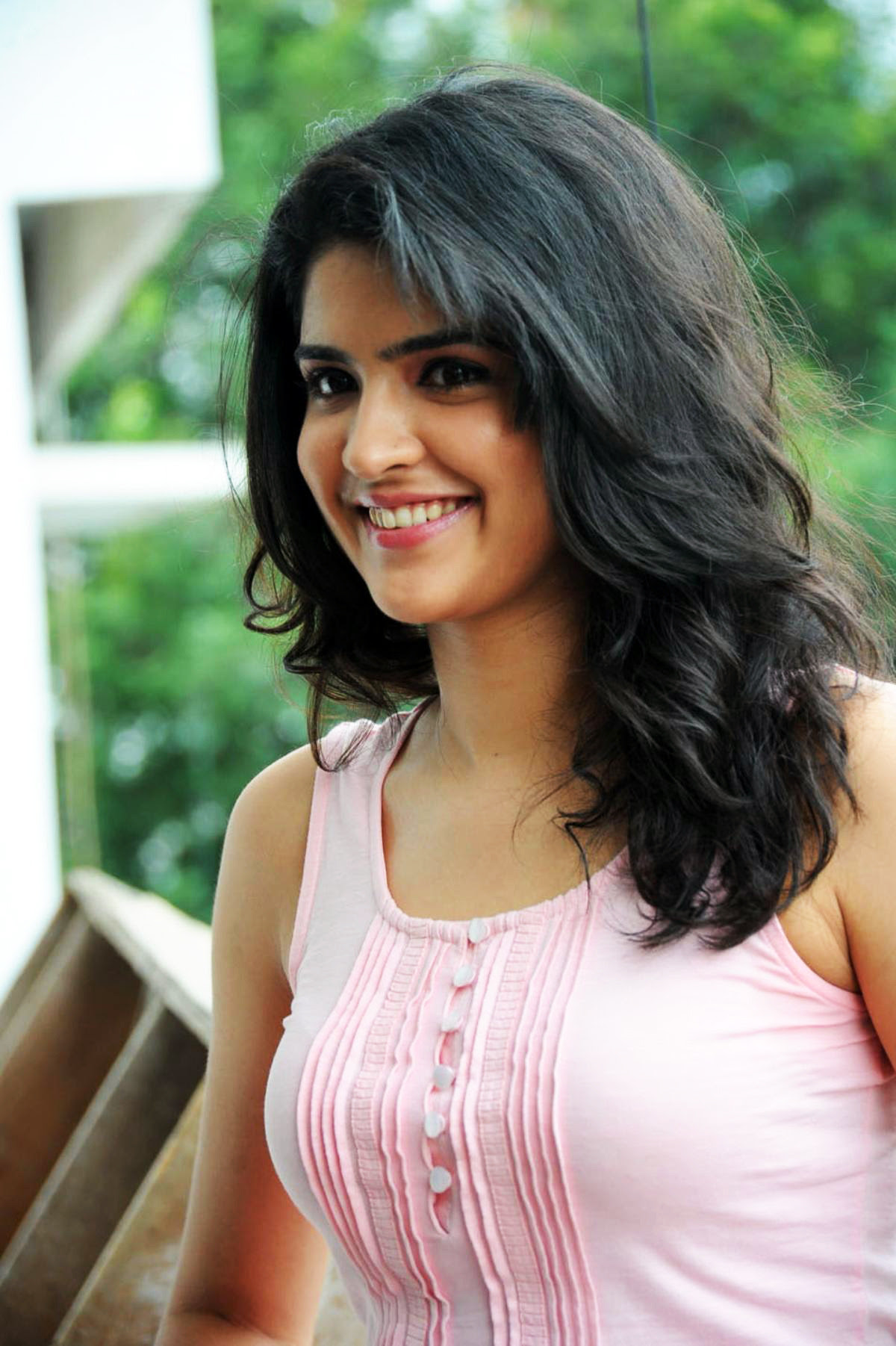 Beautiful Cute Actress deeksha seth Photoshoots
