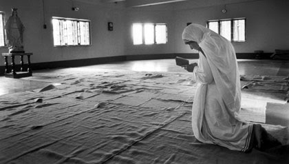 Mother Teresa, Blessed Teresa, prayer, Come Be My Light, Lent, Printable press, metropolitan stationary, how to save on your wedding statonary, Catholic wedding planning, Catholic wedding blog, Catholic brides