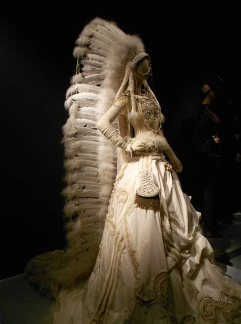 TRAVELING IN STYLE ..Jean Paul Gaultier Exhibition, de