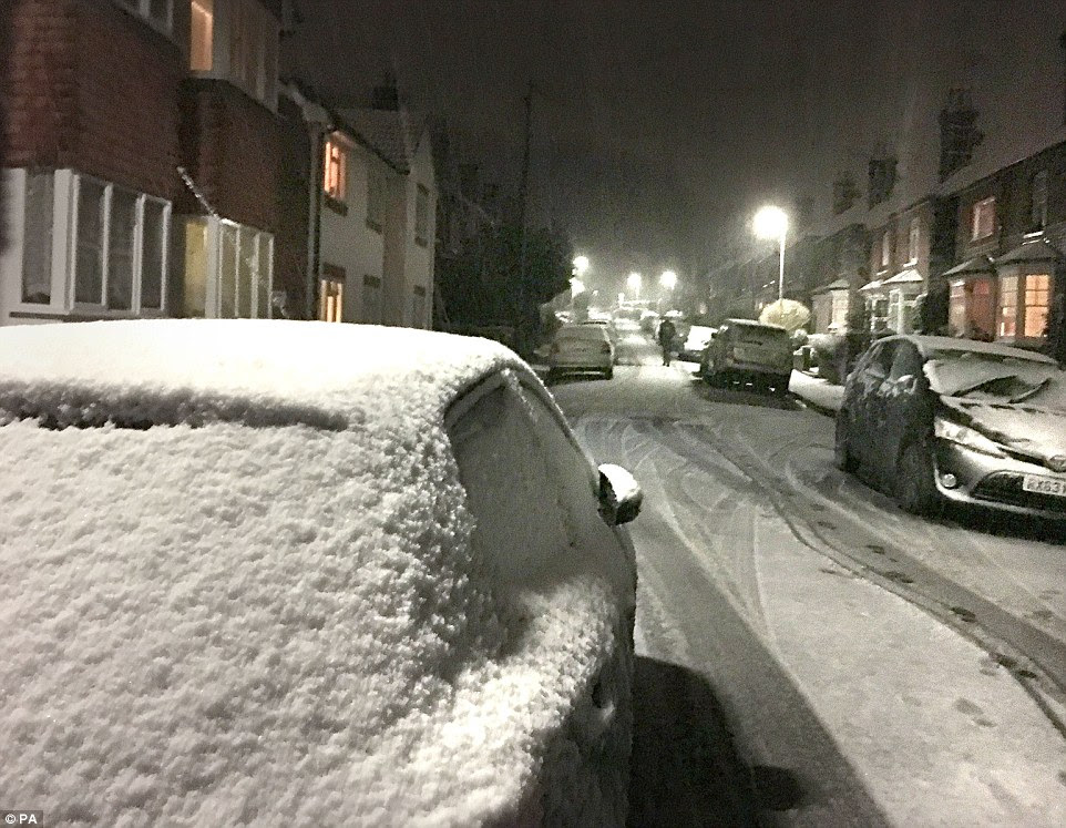 There was thick snow in Godalming, Surrey, where the temperature is set to plummet to an icy -1C overnight tonight