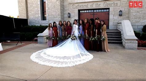 Jinger Duggar?s Wedding Dress Designer on Why Train Was So