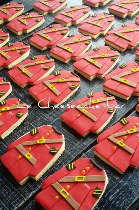 RCMP Royal mountie cookies!!!   Canadian Crafts