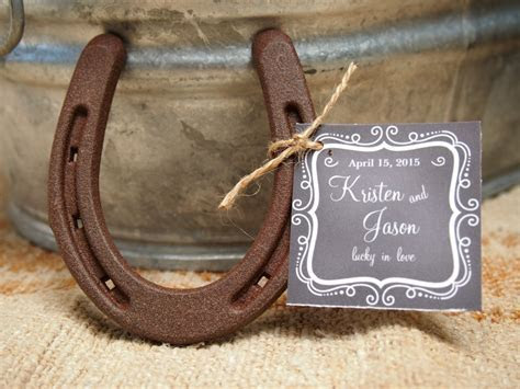 31 Wedding Centerpieces and Table Settings in Rustic Style