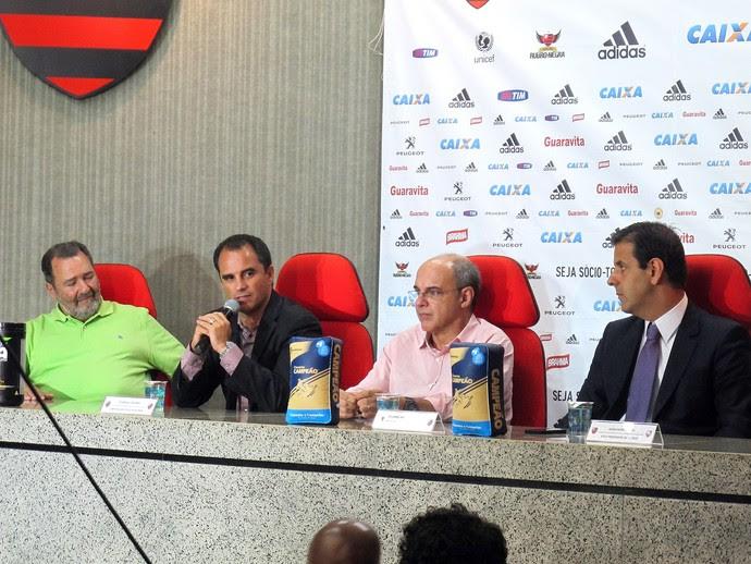 coletiva do rodrigo Caetano Flamengo (Foto: Thales Soares)