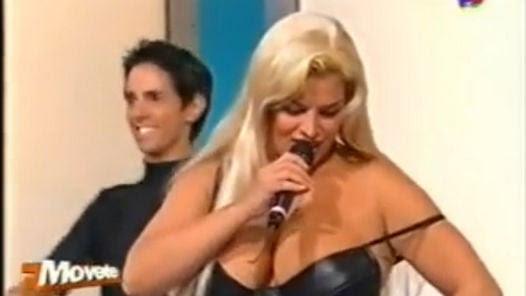 Robertito Funes bailando en el 2000 en América