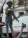 Estátua de Karl Valentin, em um chafariz no centro de Munique