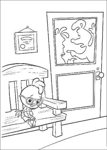 Dibujo De Chicken Little Sentado En Una Silla Para Colorear