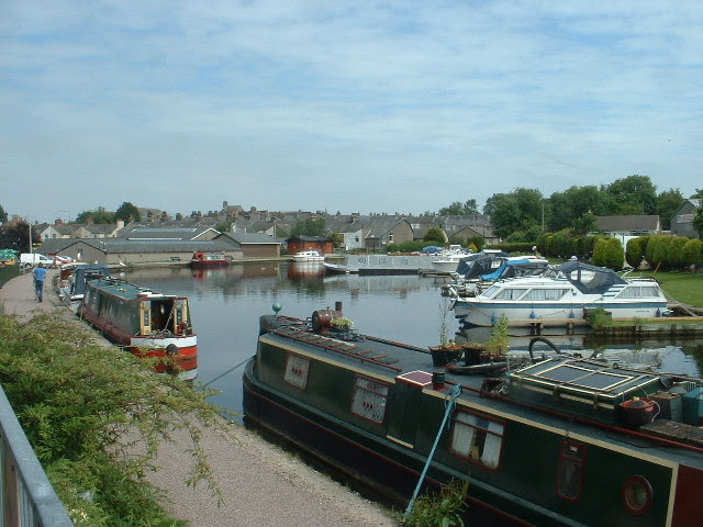 File:Carnforth Canal Basin - geograph.org.uk - 30083.jpg