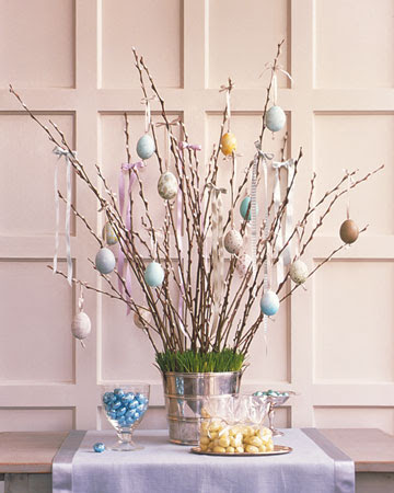 http://images.marthastewart.com/images/content/web/goodthings/gt_eggtree01_xl.jpg