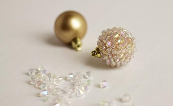 Bolas de Navidad preciosos y abeto de perlas y cuentas (3) (562x345, 63Kb)