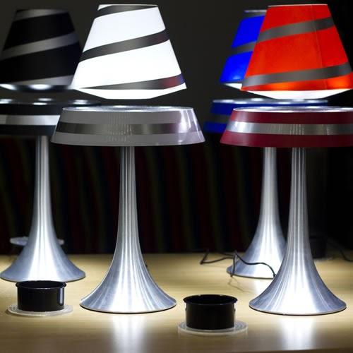 le club d co 39 zeuses d 39 art des led pour des id es d co lumineuses. Black Bedroom Furniture Sets. Home Design Ideas