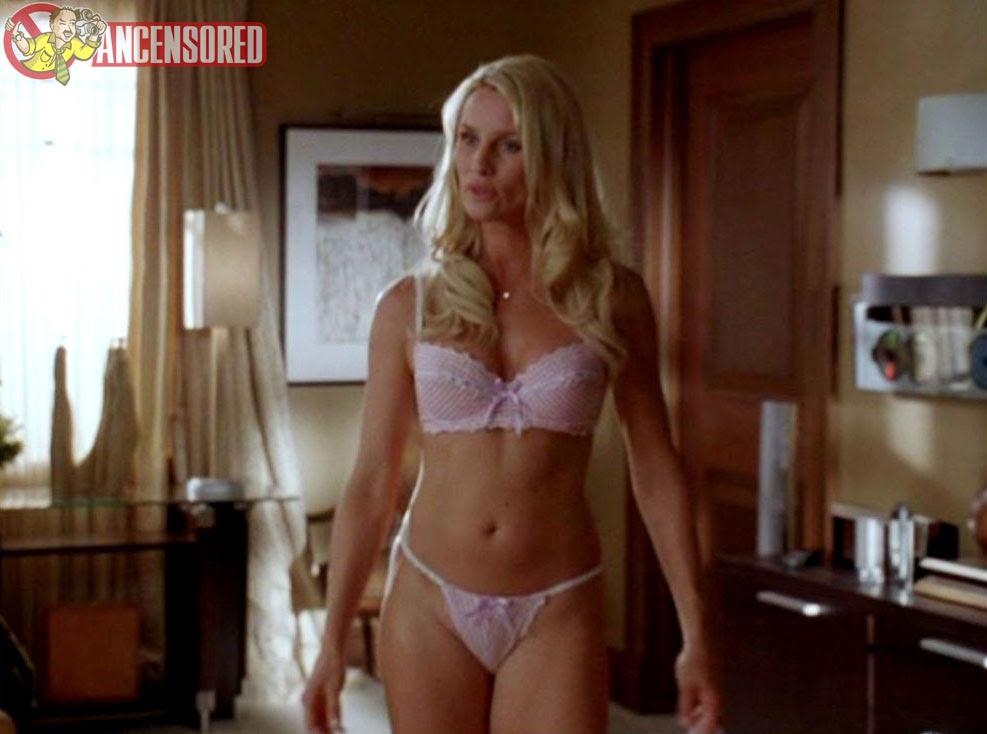 Nude nicole sheridan Nicole Sheridan