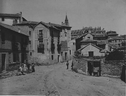 Plaza de Don Fernando hacia 1915. Fotografía de Kurt Hielscher. The Hispanic Society of America