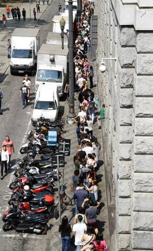 BRASIL - Desemprego cresce e chega a 13,4 milhões de pessoas sem trabalho