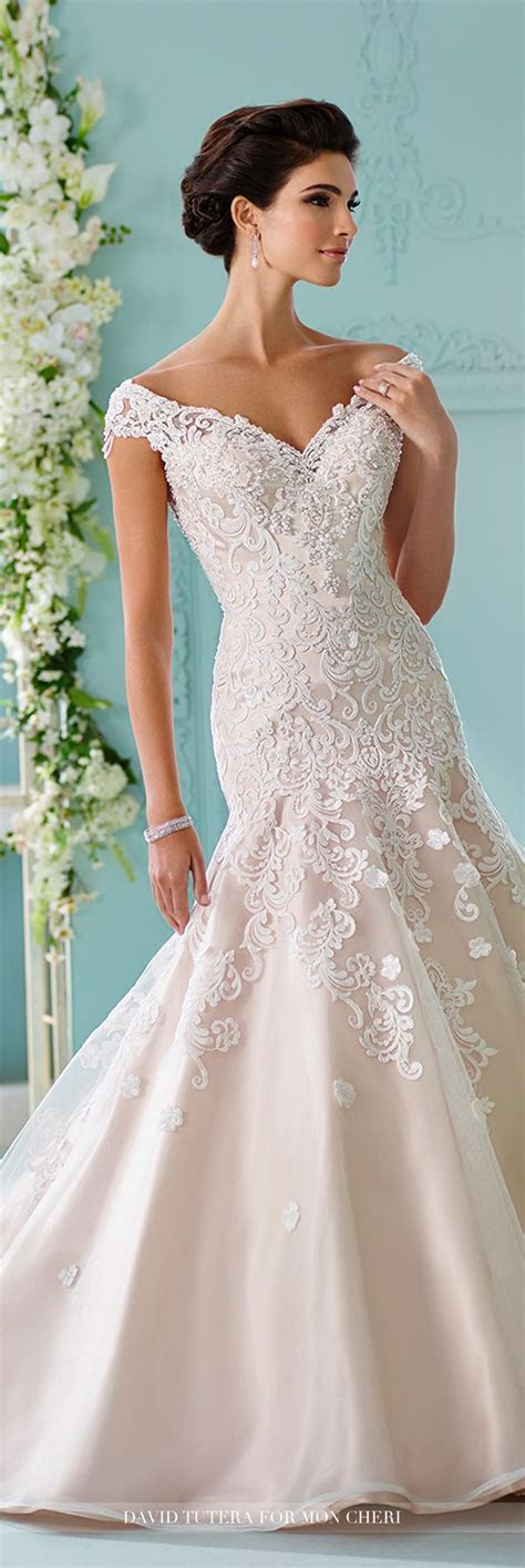 Best 25  Embroidered Lace ideas on Pinterest   Embroidery