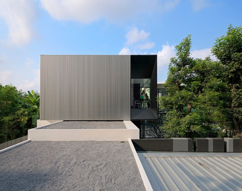 yak01 residence by ayutt and associates design