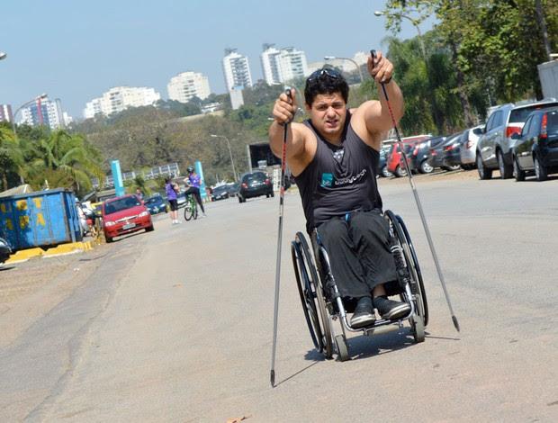 Fernando Aranha esqui no asfalto (Foto: Arquivo Pessoal)
